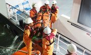 Kịp thời ứng cứu ngư dân Quảng Nam bị nạn, liệt toàn thân trên vùng biển Hoàng Sa