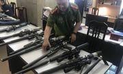 Triệt phá đường dây nhập lậu hàng trăm linh kiện súng săn từ Trung Quốc