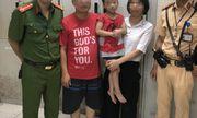 CSGT Hà Nội giúp cháu bé 5 tuổi đi lạc về nhà