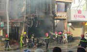 Cháy lớn thiêu rụi shop thời trang ở Thừa Thiên Huế