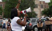 Mỹ: Biểu tình phản đối vụ nữ sinh tuổi 15 bị giam giữ vì không làm bài tập ở nhà