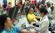 """Quân dân tỉnh Lào Cai hiến gần 900 đơn vị máu trong ngày hội """"Sắc đỏ biên cương"""""""
