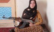 Chứng kiến cha mẹ bị sát hại, thiếu nữ Afghanistan đứng lên chiến đấu với phiến quân Taliban