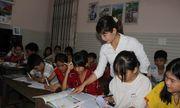 Tấm lòng của vợ chồng giáo viên vùng sâu, biến nhà riêng thành lớp học miễn phí