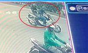 Hà Nội: Người phụ nữ bị 2 kẻ lạ mặt áp sát, giật điện thoại iPhone 11 Pro Max