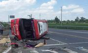 Hưng Yên: Xe đầu kéo va chạm xe khách, 2 người tử vong