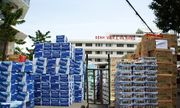 Người dân ủng hộ nhu yếu phẩm cho bác sĩ chống dịch tuyến đầu ở Đà Nẵng