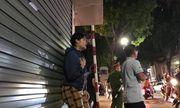 Con gái nạn nhân vụ gãy thang công trình 4 người chết ở Hà Nội: Bữa cơm mẹ nấu bố chưa kịp ăn...