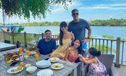 Siêu mẫu Hà Anh tránh dịch cùng gia đình ở biệt thự riêng sang chảnh