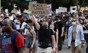 Mỹ: Nổ súng gây thương vong sau vụ cảnh sát bắn người da màu