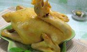 Cách luộc gà cúng Rằm tháng 7 vàng óng, không bị nứt, dáng đẹp cánh tiên