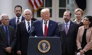 Tổng thống Donald Trump lội ngược dòng ngoạn mục, dẫn trước ông Joe Biden ngay sát thời điểm bầu cử