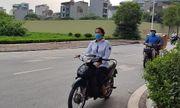 Học sinh Hà Nội bất chấp luật lệ, rong ruổi trên xe máy khắp mọi nẻo đường