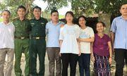 Bé gái bị bắt cóc năm 13 tuổi được đoàn viên sau 10 năm xa cách