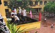 Vụ học sinh ra ban công tầng 2 nhặt rác: Phòng GD&ĐT làm việc với ban giám hiệu trường