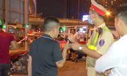 Video: Vi phạm lỗi nồng độ cồn, 'ma men' chửi phóng viên ngay tại chốt 141