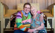 Cuộc hôn nhân 15 năm của bà cụ 83 và chồng 45 tuổi