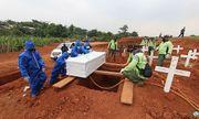 Indonesia: Những người không đeo khẩu trang phải đào mộ cho nạn nhân qua đời vì COVID-19