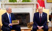 Tổng thống Mỹ Donald Trump tặng thủ tướng Israel