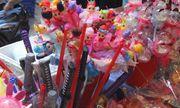 Thị trường đồ chơi Trung thu: Nguy hiểm rình rập khi đồ chơi kém chất lượng tràn lan