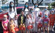 Hoa hậu Tiểu Vy, Á hậu Phương Nga và Thúy An mang quà trung thu đến thăm các bệnh nhi
