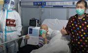 Xúc động cụ ông 72 tuổi một mình vượt gần 2.000km gặp ân nhân