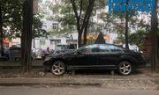 Hà Nội: Xót xa nhìn Bentley, BMW tiền tỷ bị chủ nhân