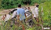 Tin tai nạn giao thông mới nhất ngày 4/10/2020: Ô tô rơi xuống vực, thầy hiệu phó và cô giáo tử vong