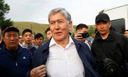 Người biểu tình Kyrgyzstan chiếm trụ sở chính quyền, phóng thích cựu tổng thống khỏi nhà tù
