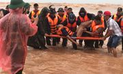 Cận cảnh khoảnh khắc đặc công nước giải cứu 8 thuyền viên tàu Vietship 01