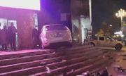 Video: Kinh hoàng nữ tài xế không bằng lái bay thẳng xe vào tòa nhà thương mại đông người