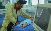 Bé gái 2 tháng tuổi tử vong ở Sơn La: Thêm nhiều trẻ khác nhập viện sau khi tiêm văc xin 5 trong 1