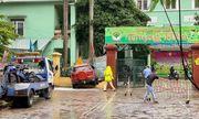 Tin tai nạn giao thông mới nhất ngày 15/10/2020: Ford Ecosport lao vào trường mầm non ở Hà Nội
