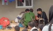 Vụ vợ bị sát hại, bỏ lại 3 con thơ cho chồng mù lòa: Bí ẩn chiếc áo khoác cách hiện trường 2km