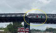 Tin tai nạn giao thông mới nhất ngày 17/10/2020: Sà lan tông lệch nhịp cầu 80 tỷ ở Sài Gòn