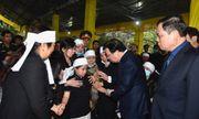 Phó Thủ tướng Trịnh Đình Dũng viếng 13 liệt sĩ hy sinh ở Rào Trăng