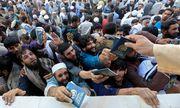 Afghanistan: Giẫm đạp lên nhau để xin thị thực, ít nhất 15 người thiệt mạng