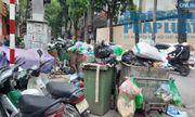 Hà Nội ùn ứ rác thải: Chất cao hơn nóc xe taxi, mùi hôi tanh khiến người sống gần khổ sở
