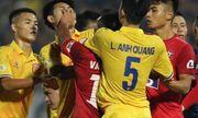 Trung vệ Nguyễn Văn Hạnh bị đề nghị kỷ luật vì đánh đối thủ, \