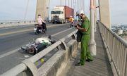 Vụ thanh niên nằm bất tỉnh trên cầu Rạch Miễu: Người nạn nhân nhiều vết thương