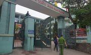Hai phụ huynh lao vào nhau ẩu đả trước cổng trường học, 1 người bị đâm trọng thương