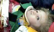 Kỳ tích cứu sống bé gái 3 tuổi mắc kẹt 65 giờ trong đống đổ nát vì động đất