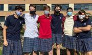 Hơn trăm học sinh nam ở Canada mặc váy đến trường, nguyên nhân phía sau khiến ai cũng nể phục