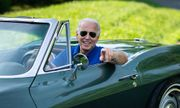 Chiếc xe yêu thích nhất của ứng viên tổng thống Joe Biden và ký ức về cha