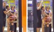 Video: Khoảnh khắc 3 con tin bị đối tượng dùng dao khống chế trong cửa hàng sữa