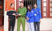 Bắc Giang: Hai nữ sinh lớp 11 nhặt được của rơi, trả người đánh mất