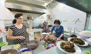 Chủ quán cơm 6 năm đón sinh viên tới ăn, ở miễn phí