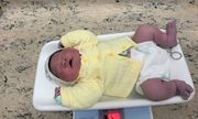 Hà Nội: Bé sơ sinh chào đời với cân nặng gần 6kg