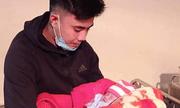 Bé sơ sinh bị bỏ rơi bên vệ đường cùng thư của mẹ trong ngày đông lạnh
