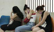 Vụ 4 đôi nam nữ mua bán dâm trong nhà nghỉ ở Hải Phòng: 3 người đàn ông bị bắt là ai?